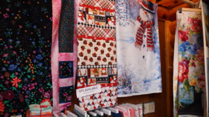 Log Cabin Quilt Shop