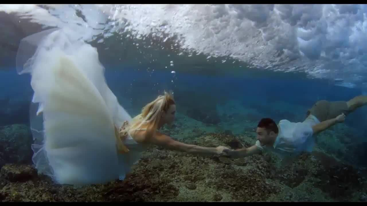 Play trailer for Bethany Hamilton: Unstoppable