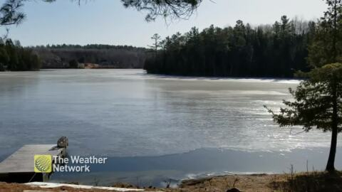 SOUND ON: LOUD, OTHERWORLDLY NOISES COME FROM THAWING LAKE