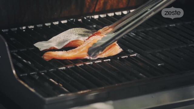 Griller du poisson sans qu'il colle