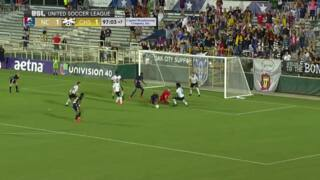 Soccer team stuns crowd, announcers with its inability to score goal in bizarre soccer sequence