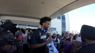 See Kings draft pick Marvin Bagley III arrive at Sacramento airport