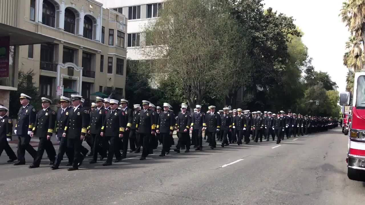 Firefighters Marching At Capitol >> 37 Firefighters Honored At Capitol Park The Sacramento Bee