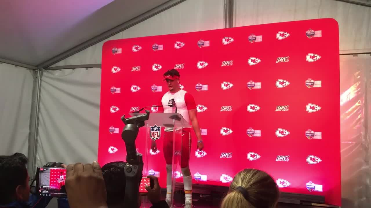 No, Patrick Mahomes didn't throw ball over Skycam camera. It was a trick of the eye