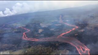 Dramatic footage shows fissure 'fountains,' laze plume from Kilauea eruption