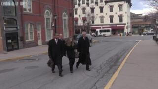 Jim and Evelyn Piazza enter the courthouse for the second round of preliminary hearings