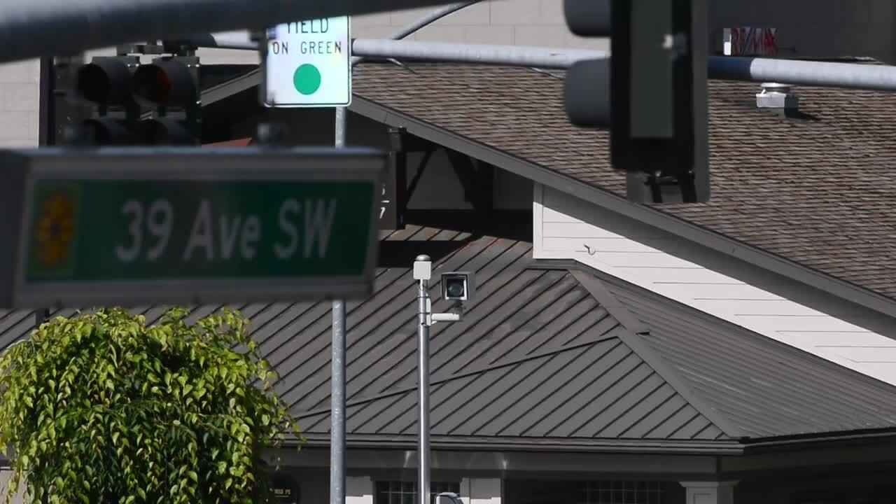 Support building in Illinois Legislature for ban on red-light cameras