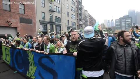Sounders fans celebrate in Seattle as team wins MLS Cup