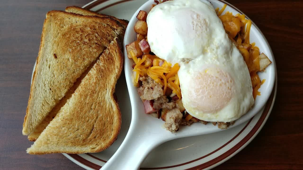 This new spot has a huge menu, big breakfast plates and a line out the door