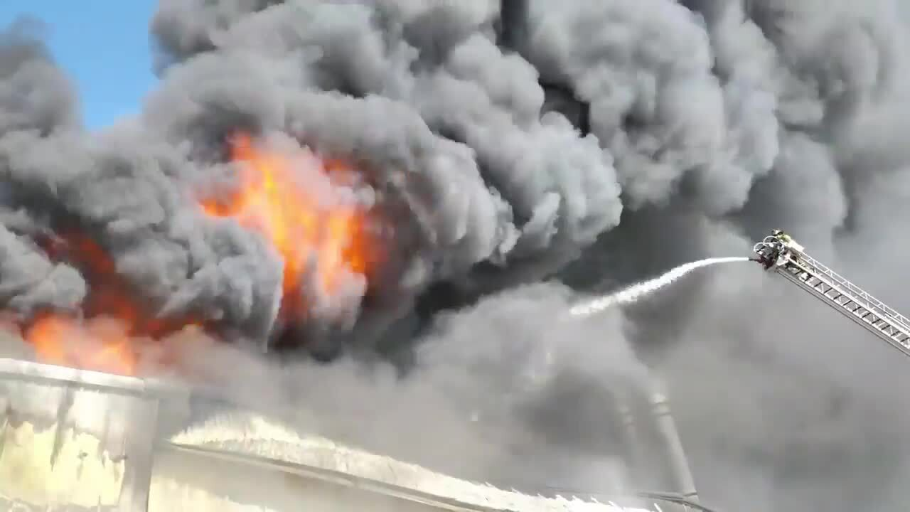 Fire causes significant damage to Fort Worth, TX, warehouse