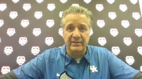 What is UK's John Calipari telling his team after 1-2 start?