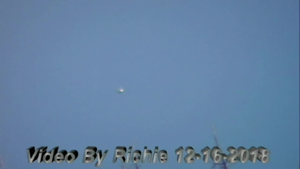 Mysterious bright objects hovered over Ballantyne, Lake Norman, spooked witnesses say
