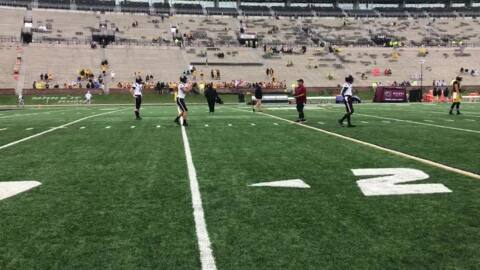 Watch: Ryan Hilinski, South Carolina QBs warm up before Missouri game