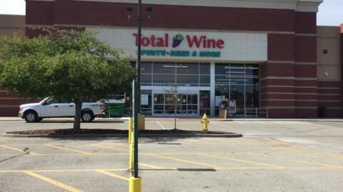 Total Wine sets opening time for new Fairview Heights store