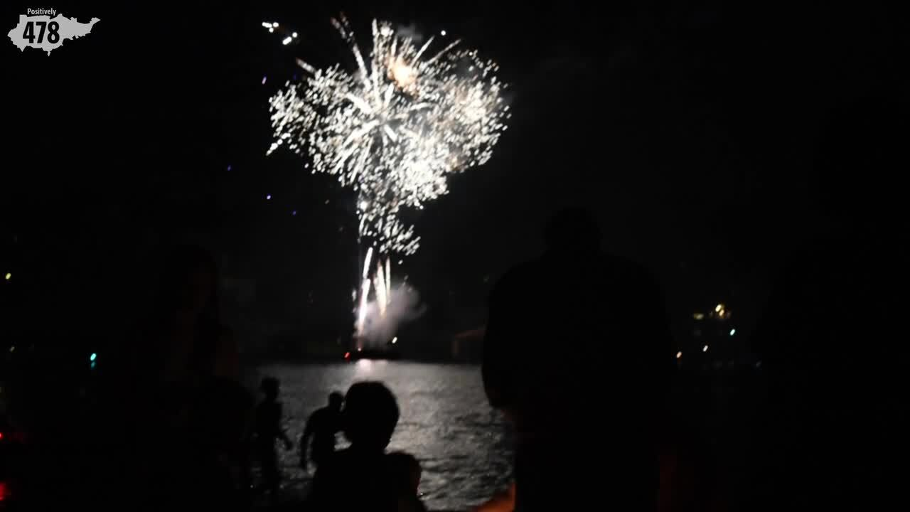 Florida lawmakers want to let you shoot off fireworks — but only on certain days
