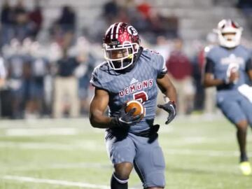 Warner Robins knocks off Union Grove in blowout.
