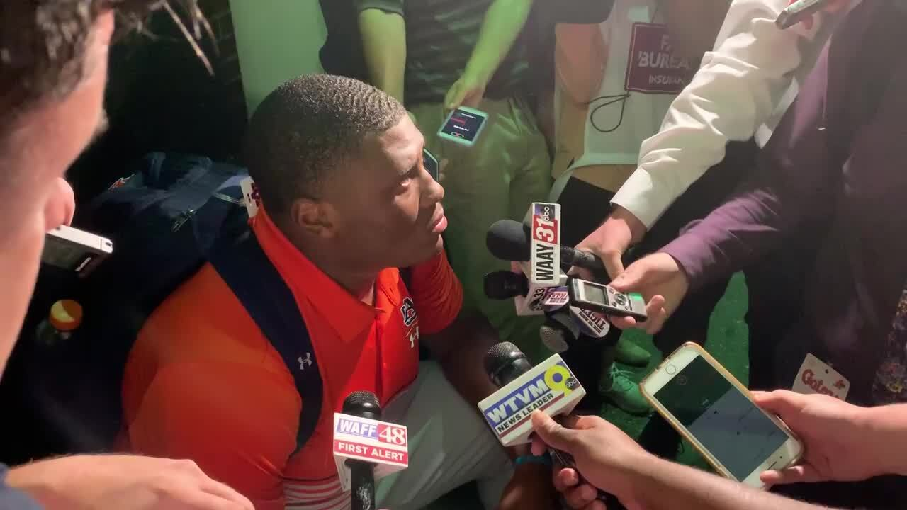 'This is what The Swamp is': Auburn struggles against pressure, noise from Gator fans