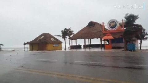 Hurricane Zeta brings strong winds to Mexico