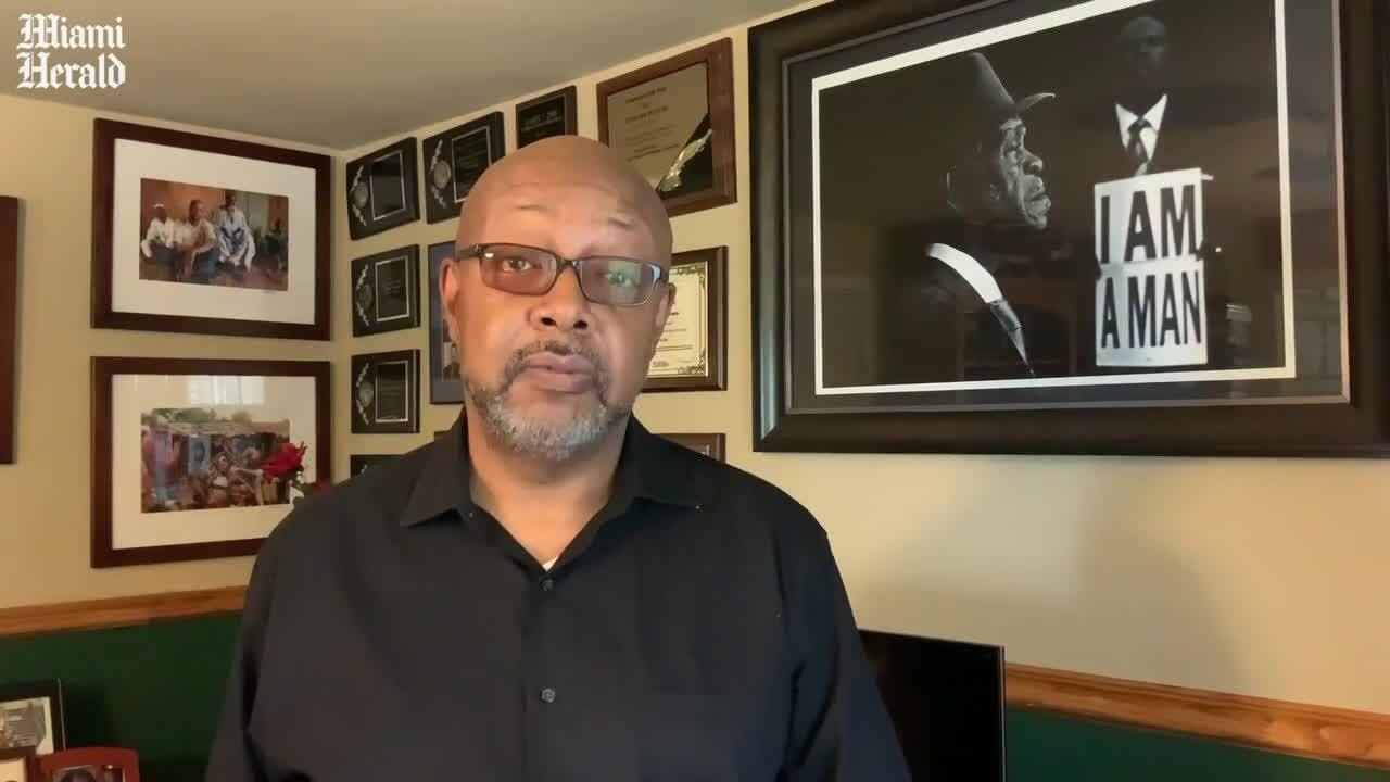miamiherald.com - Leonard Pitts Jr. - Scared whites will pick up a gun, but are too scared to pick up a book   Opinion