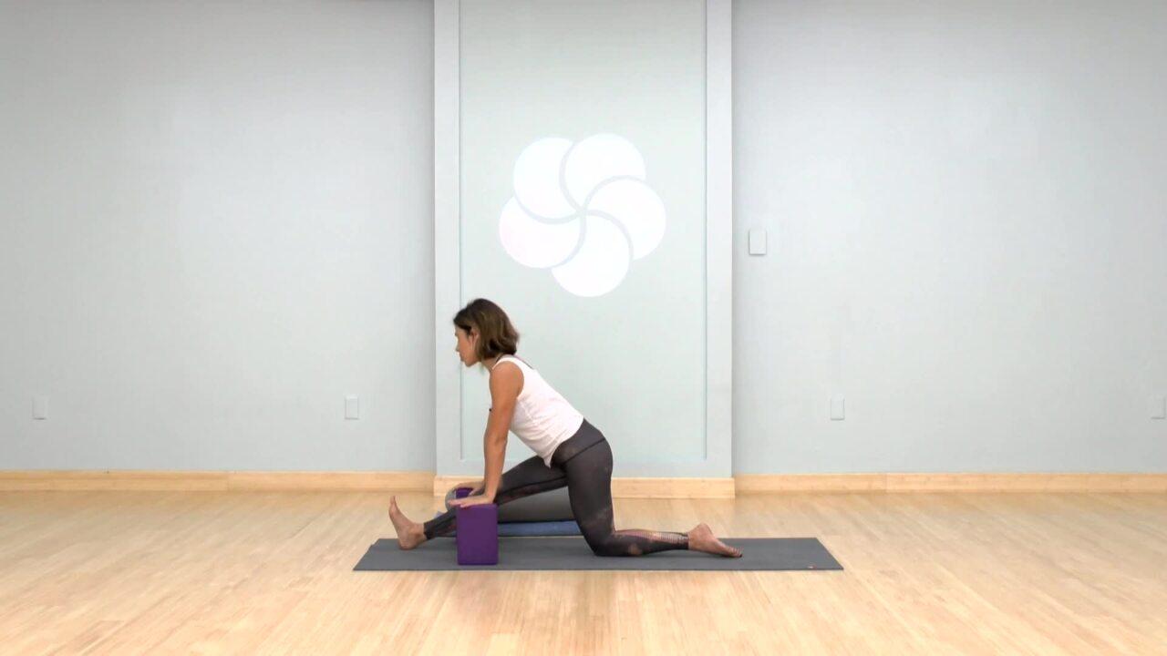 Introducción a la Yoga (Spanish)