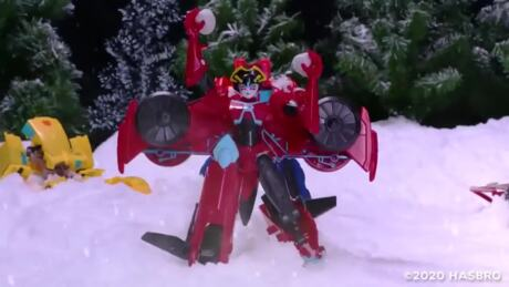 SNOW BALL FIGHT!   Transformers Cyberverse Stop Motion