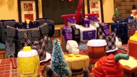 Transformers Holiday Food Fight! Stop Motion - Part 1- War for Cybertron Celebration