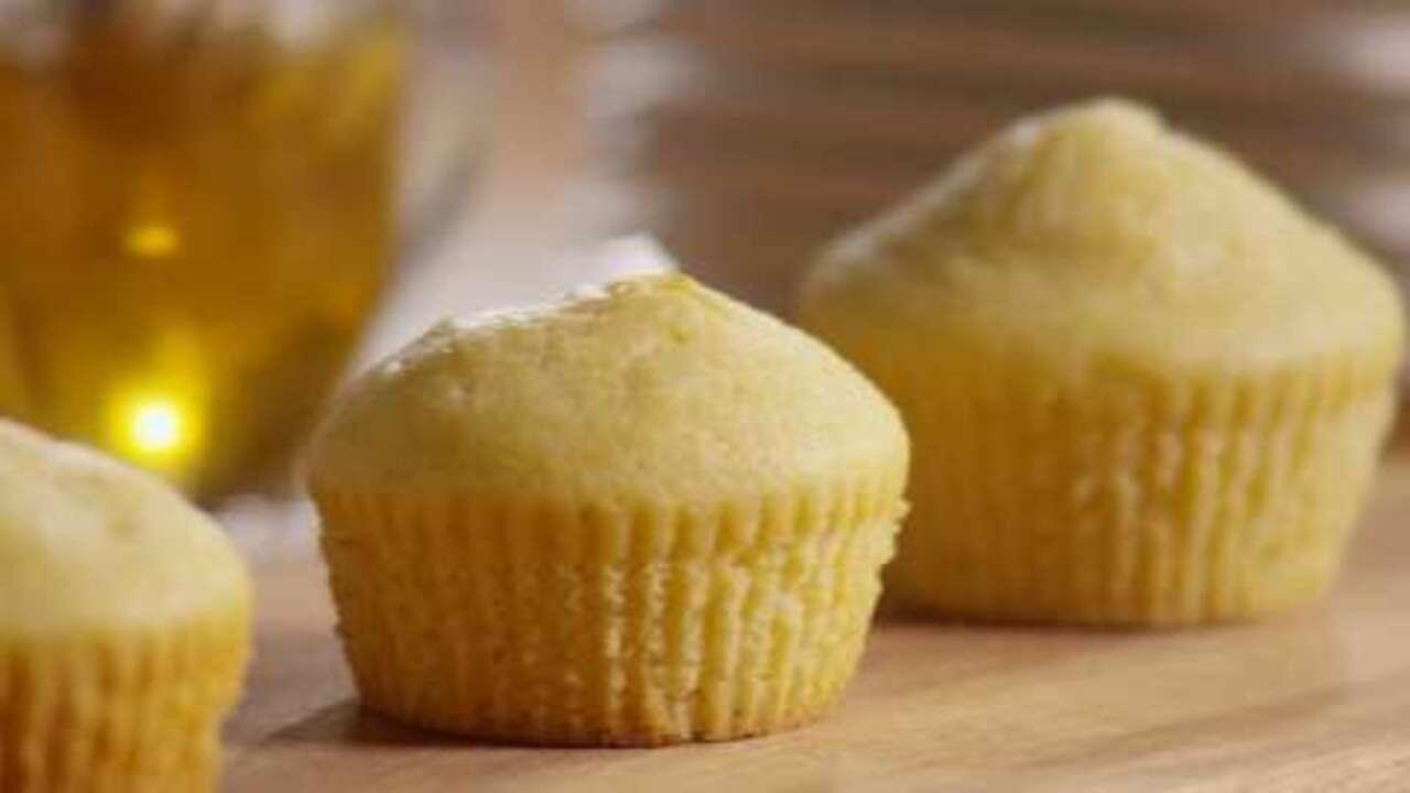 basic corn muffins video