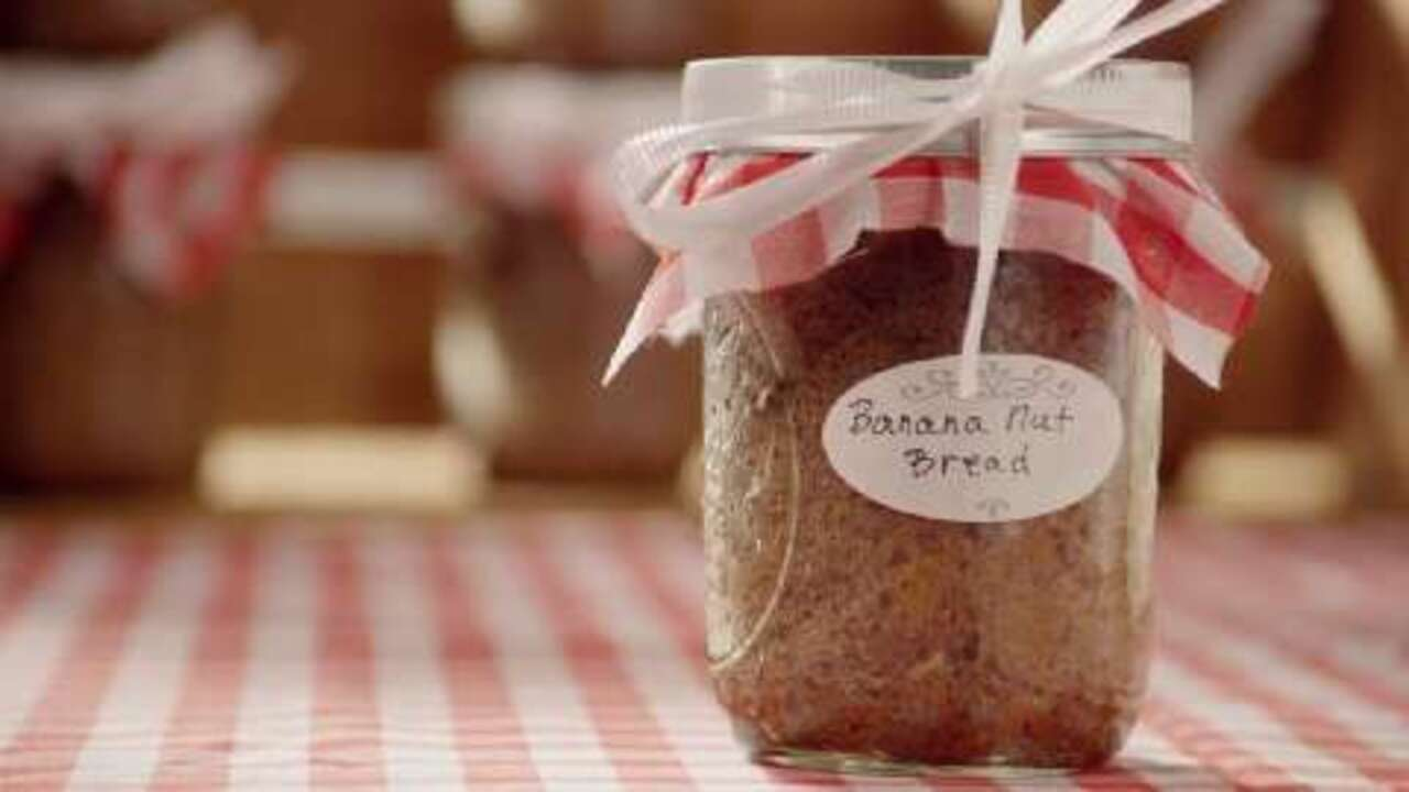 Banana Nut Bread Baked in a Jar Video