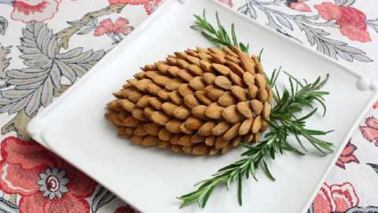pine cone cheese ball video