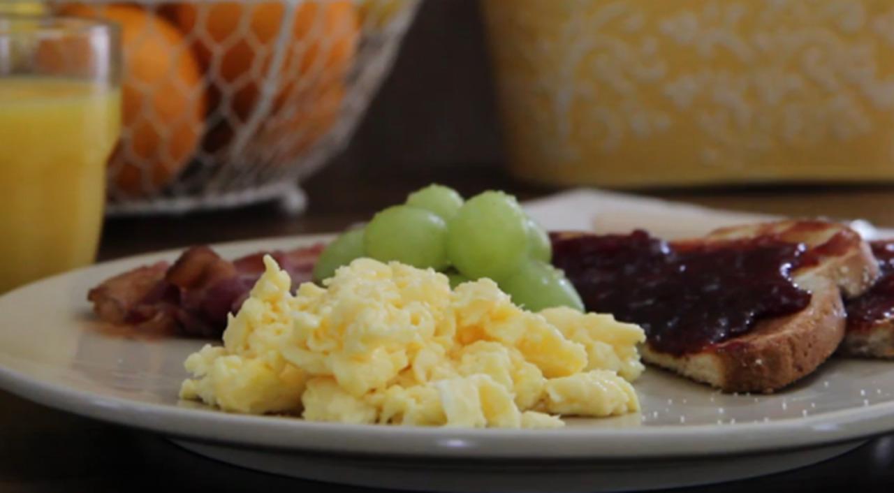 scrambled eggs done right video
