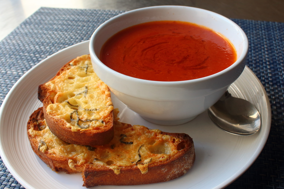 fresh tomato soup with crispy cheese toast video