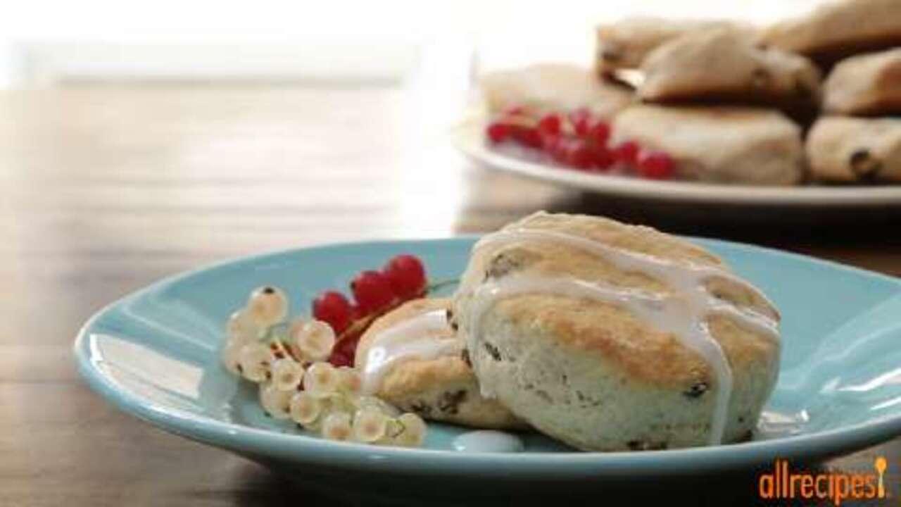 cinnamon sour cream biscuits video