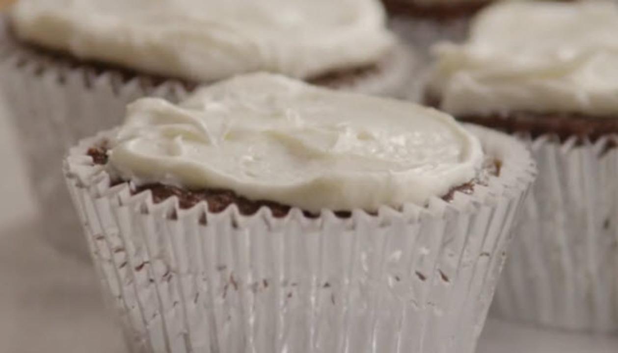 chocolate cupcakes video
