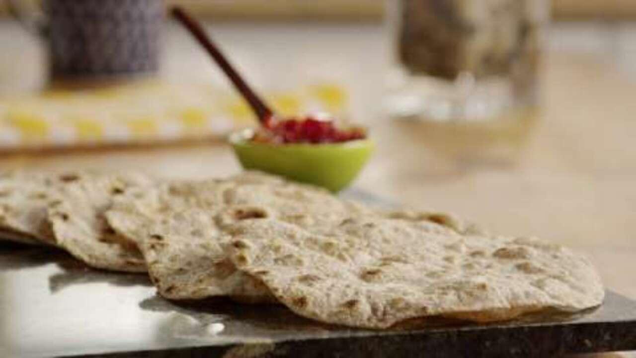 indian chapati bread video
