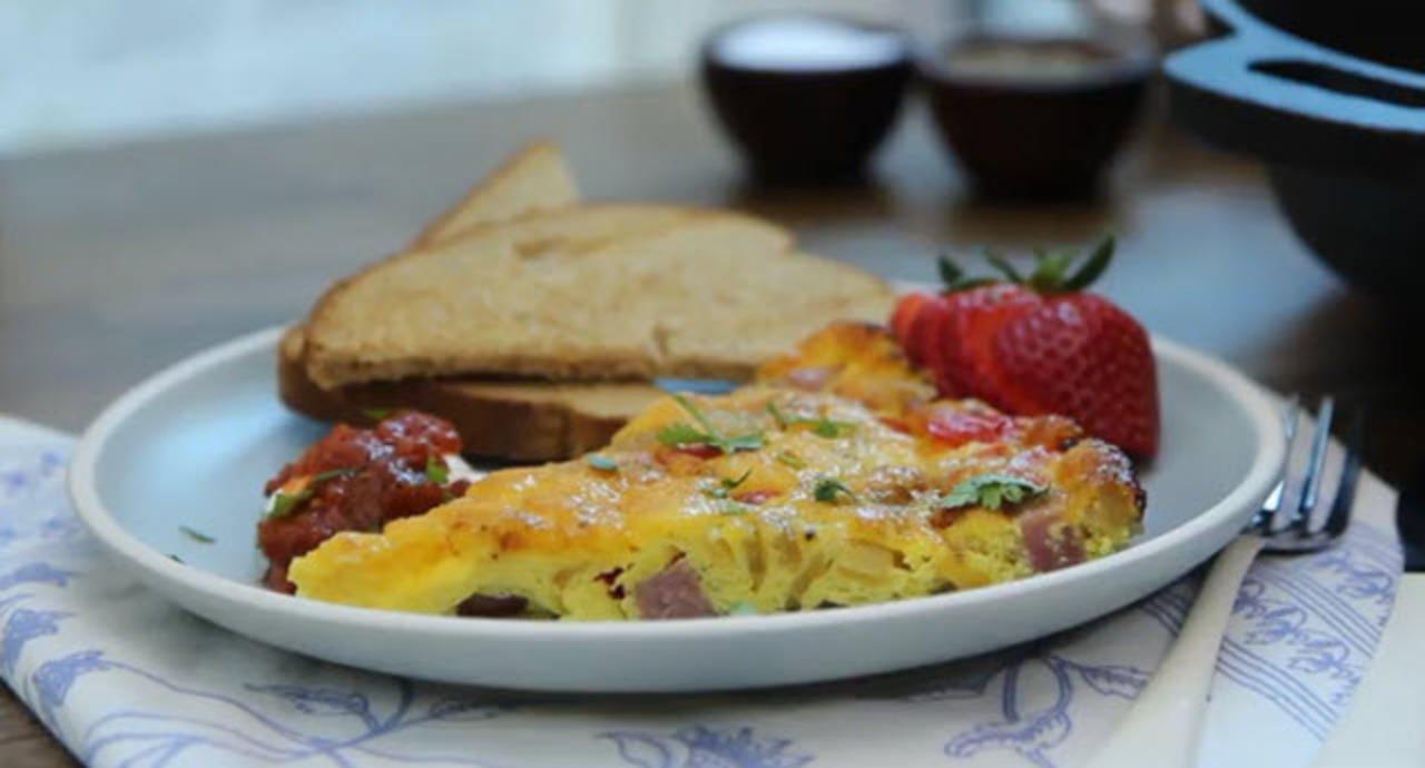 baked denver omelet video