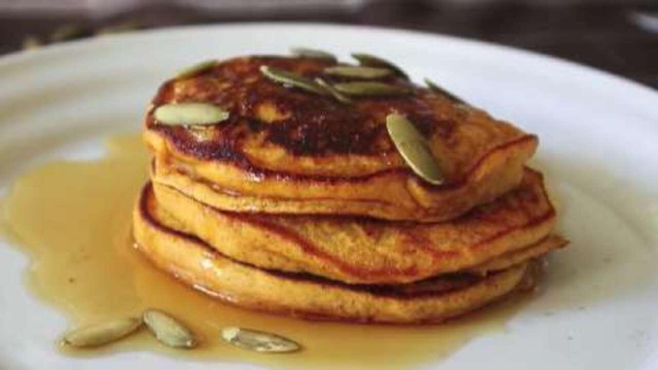 how to make pumpkin pancakes video