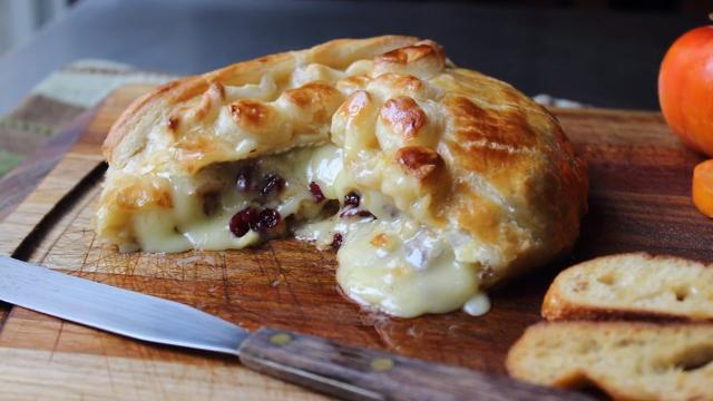 Baked Stuffed Brie with Cranberries & Walnuts Video