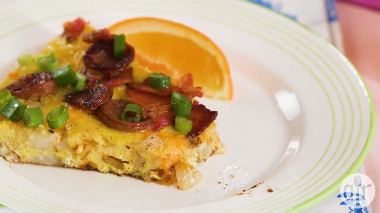 cheesy bacon sausage egg hash brown skillet video