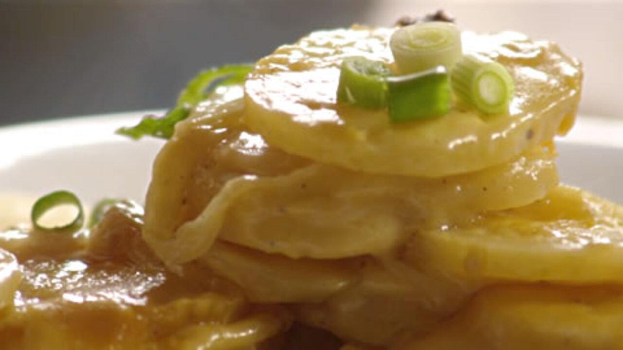 Creamy Au Gratin Potatoes Video
