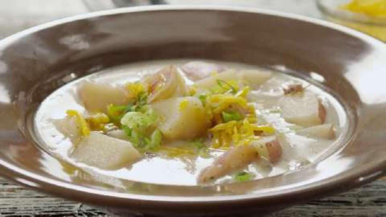 slow cooker easy baked potato soup video