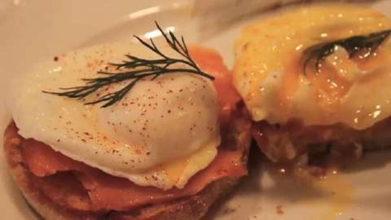 how to make perfect poached eggs video