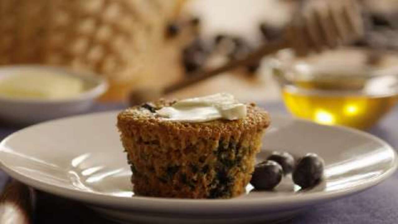low fat blueberry bran muffins video