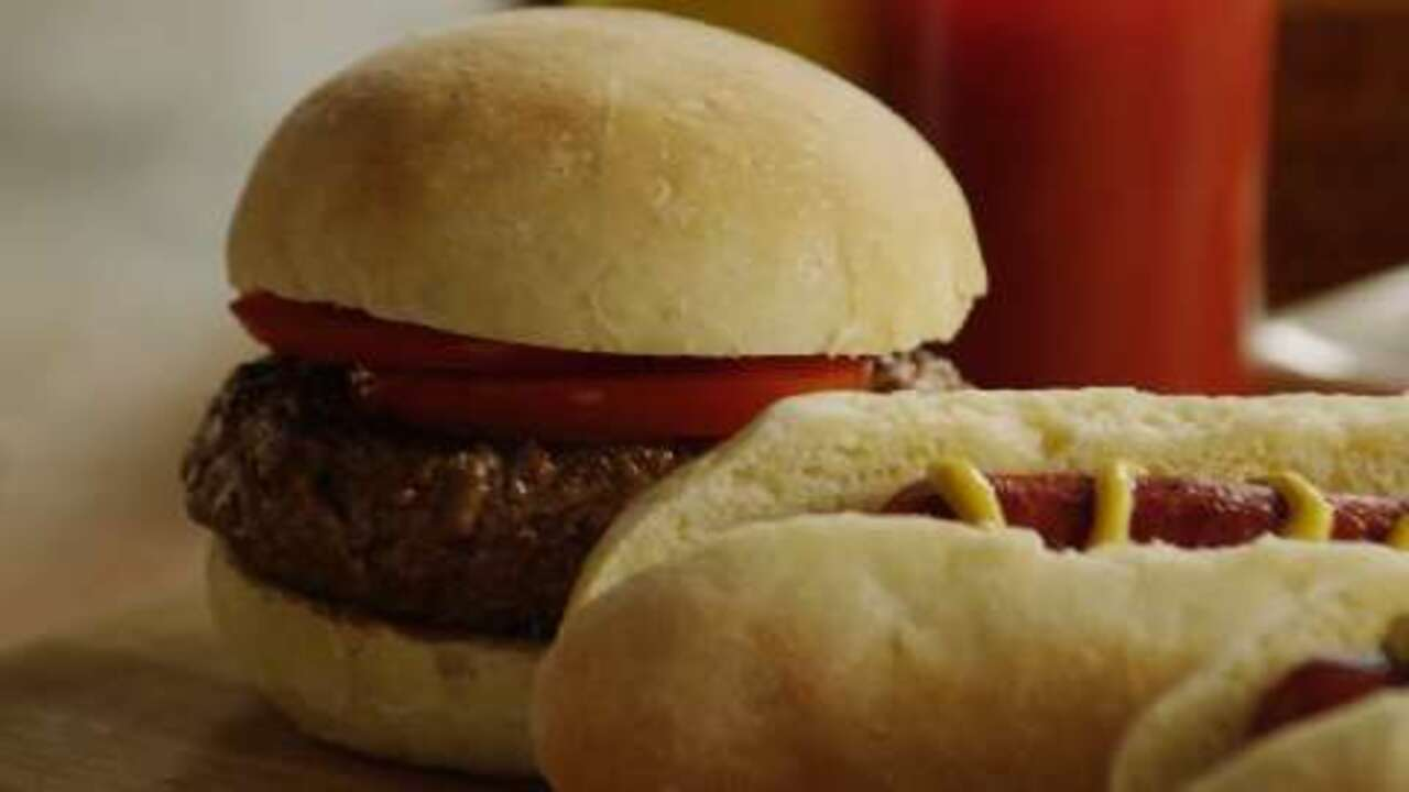 burger or hot dog buns video