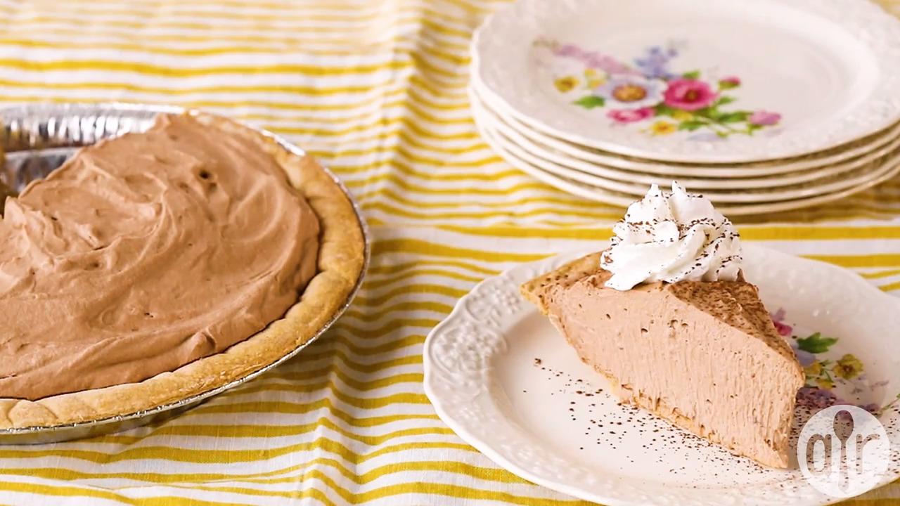 creamy chocolate mousse pie video