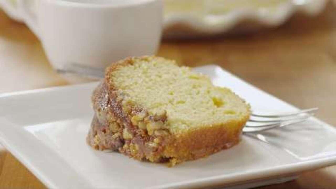 Italian Rum Cake Recipes From Scratch: Golden Rum Cake Video