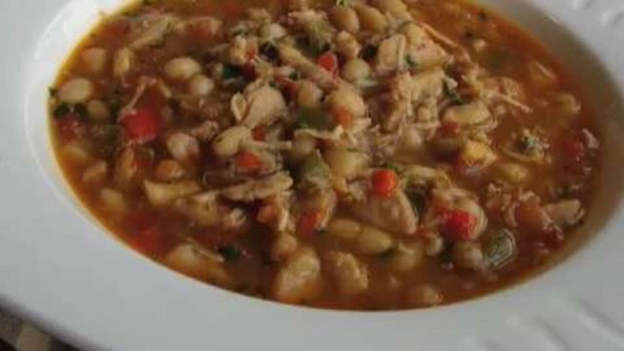 spicy chicken and white bean chili video