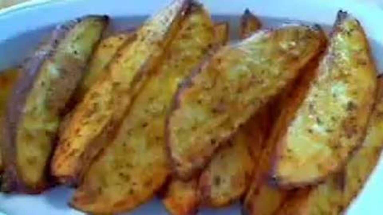 crusty herb potato wedges video