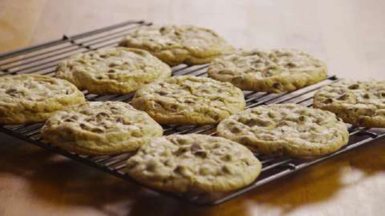 Best Big, Fat, Chewy Chocolate Chip Cookie Video