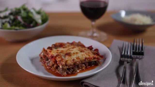 classic and simple meat lasagna video