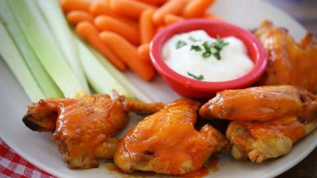 awesome slow cooker buffalo wings video